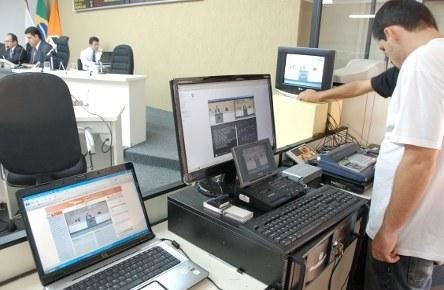 COMUNIDADE - CM de Divinópolis começa a transmitir as reuniões pela Internet