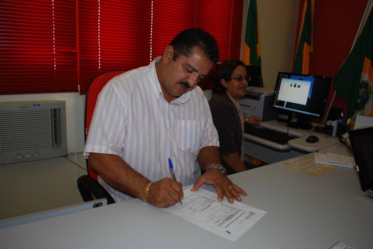 ADESÃO - CM de Mauriti, Ceará, assina adesão ao Interlegis
