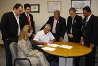 ADESÃO - CM de Cataguases/MG formaliza adesão ao Interlegis