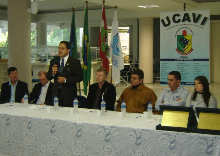 SENSIBILIZAÇÃO - Interlegis é destaque no Encontro de Legisladores Municipais em Rio do Sul