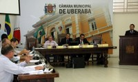 INTEGRAÇÃO - Câmara de Uberaba ouve palestra sobre modernização legislativa em sessão plenária