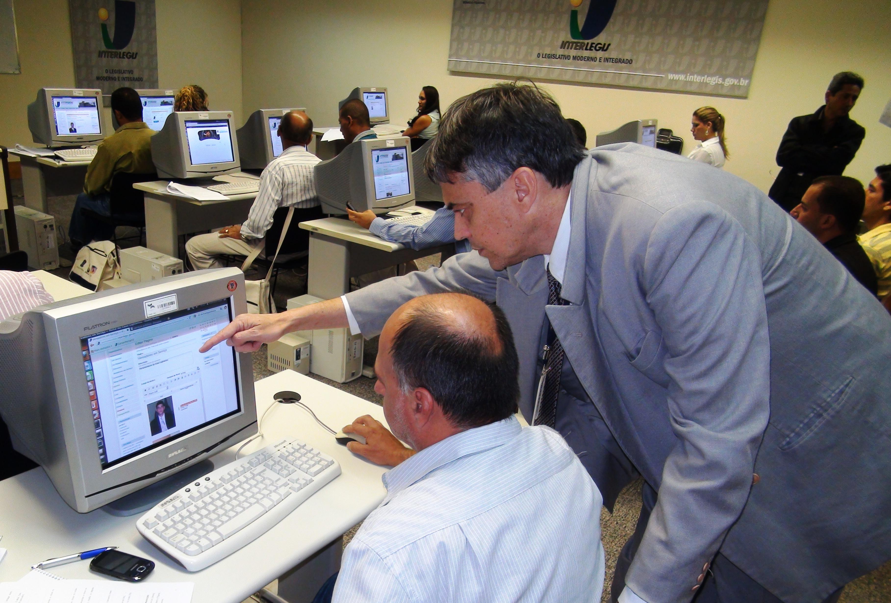 CAPACITAÇÃO - Servidores de 9 câmaras participam de oficina de Portal Modelo na sede do Interlegis, em Brasília