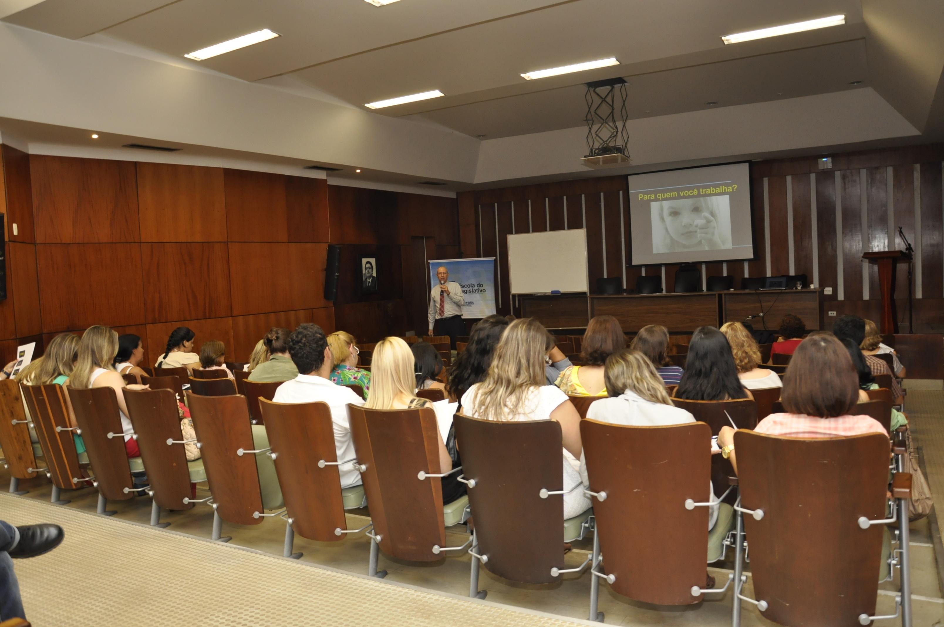 Interlegis realizou curso de Atendimento ao Público em parceria com Assembléia Legislativa de Goiás.