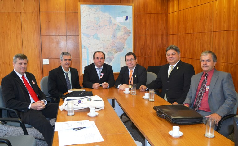 Chefes do Legislativo e Executivo de Armazém (SC) unidos pela modernização com o Interlegis