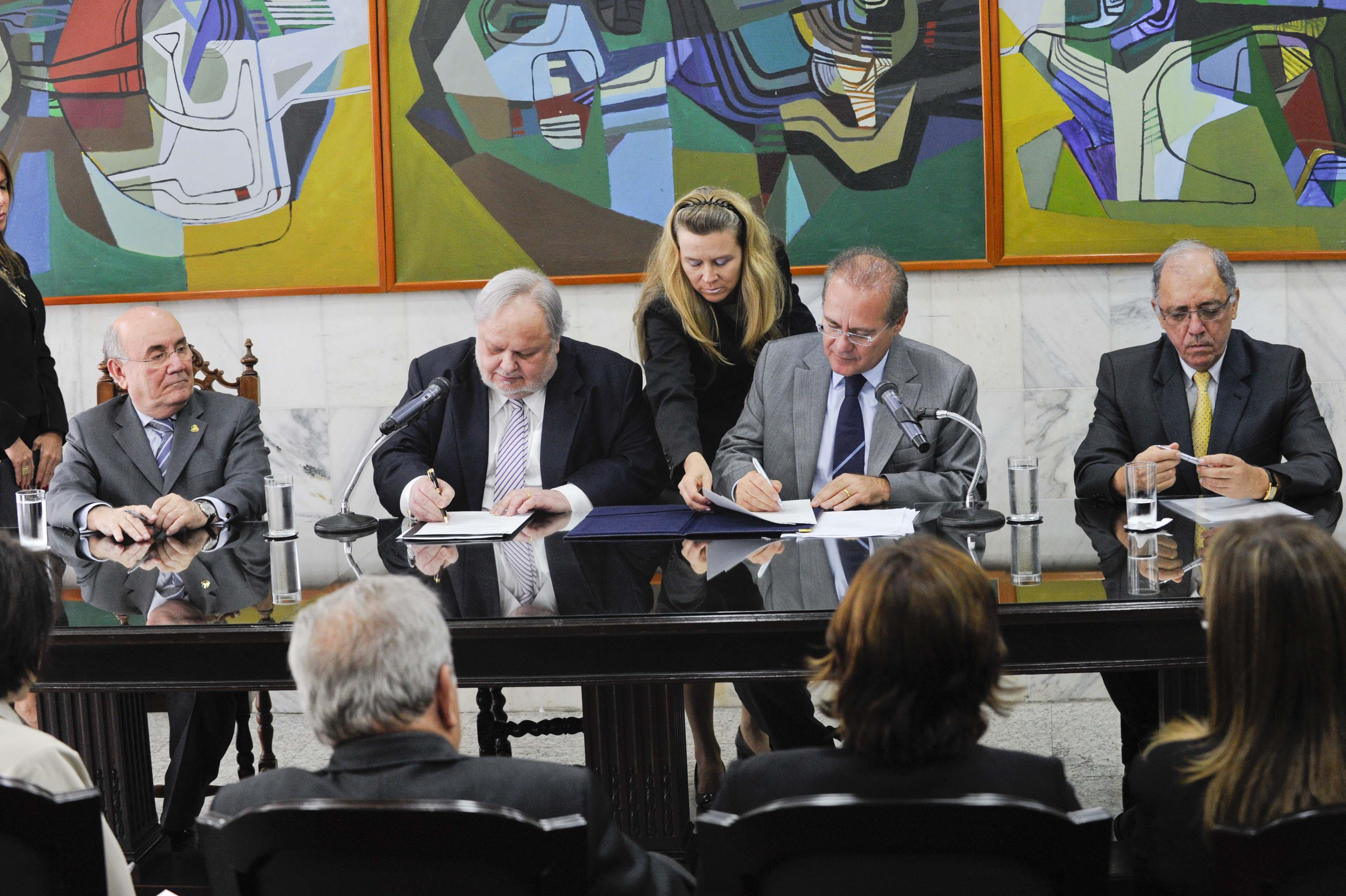 Senado firma acordo de cooperação técnico-científica com Conselho da Justiça Federal