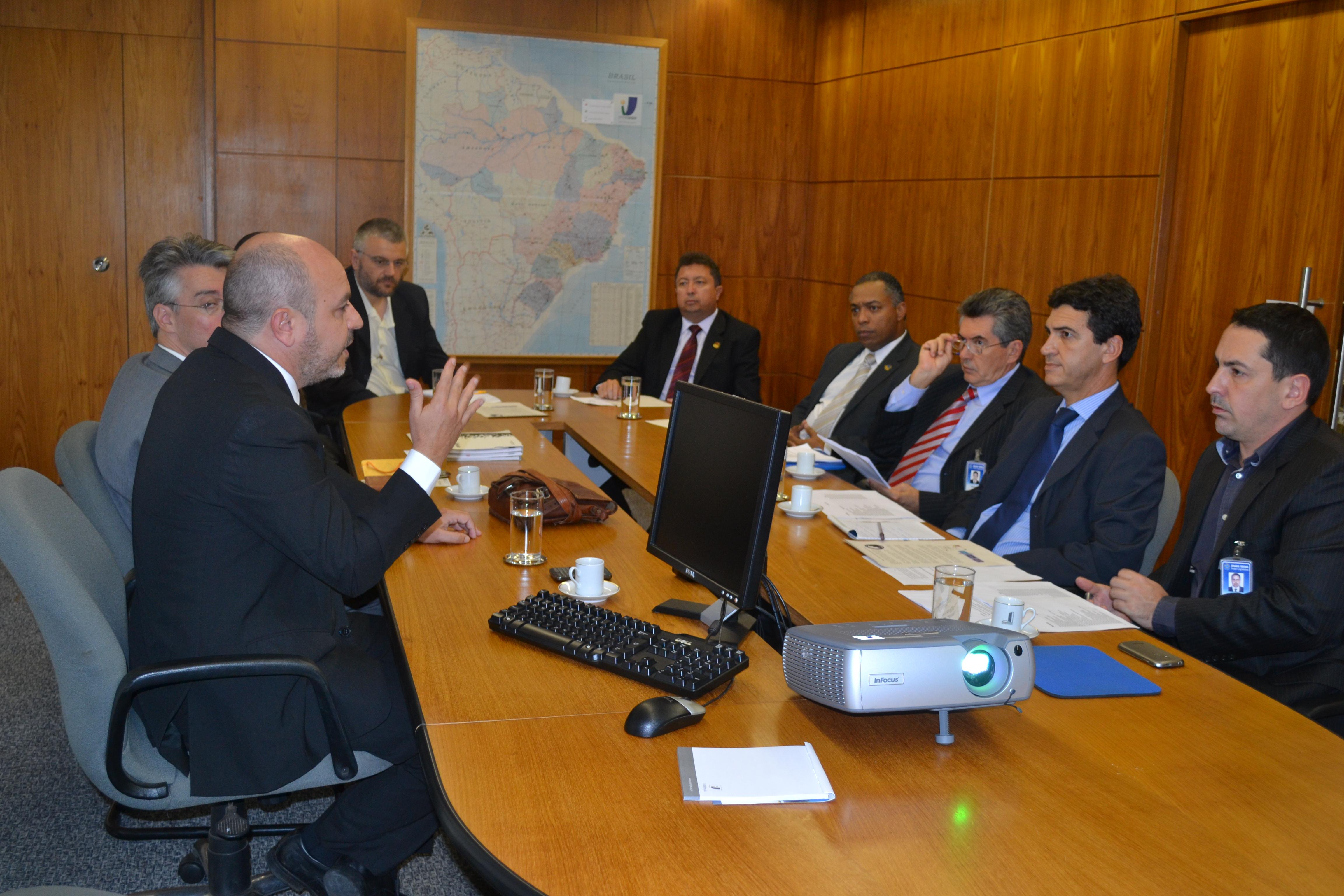 Ouvidoria-Geral da União firma parceria com o ILB