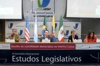Seminário internacional: democracia na América Latina avançou, mas ainda há problemas