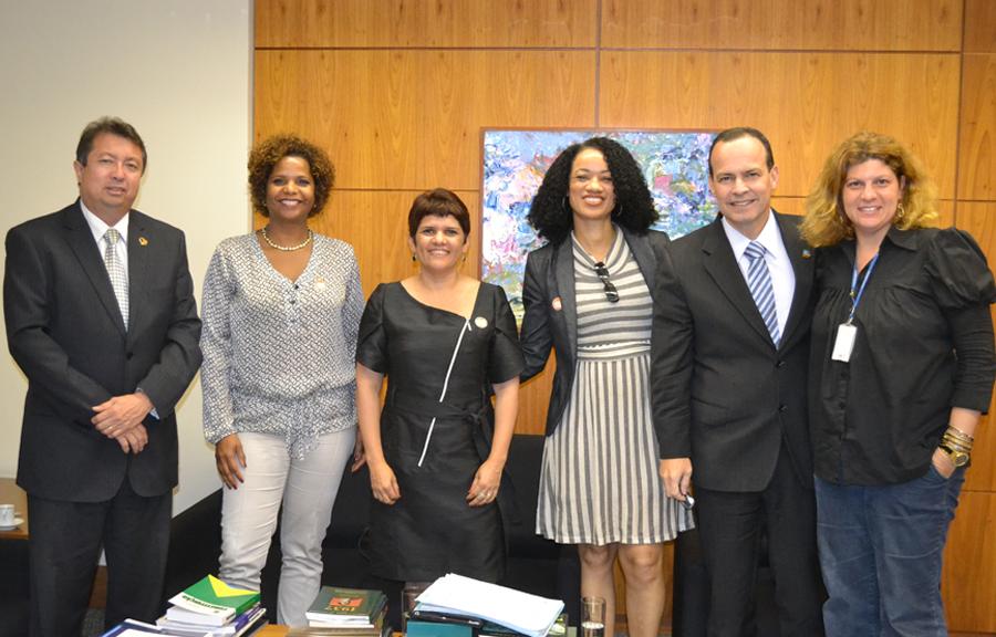 Escola do Governo do Distrito Federal e Interlegis/ILB firmam parceria
