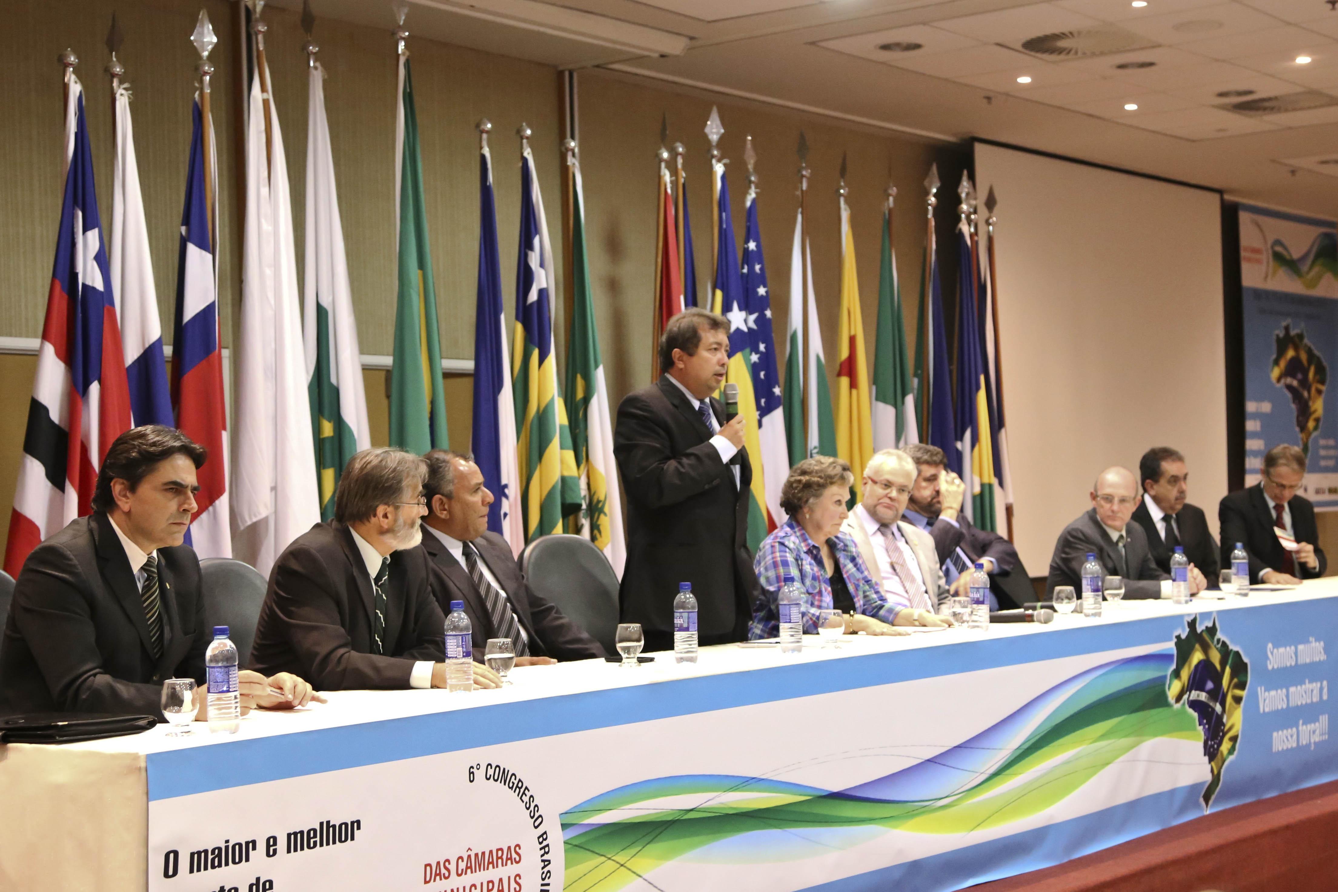 Diretor-executivo do Interlegis/ILB participa de congresso da ABRACAM
