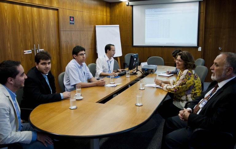 Representantes de Guaxupé-MG visitam Interlegis/ILB