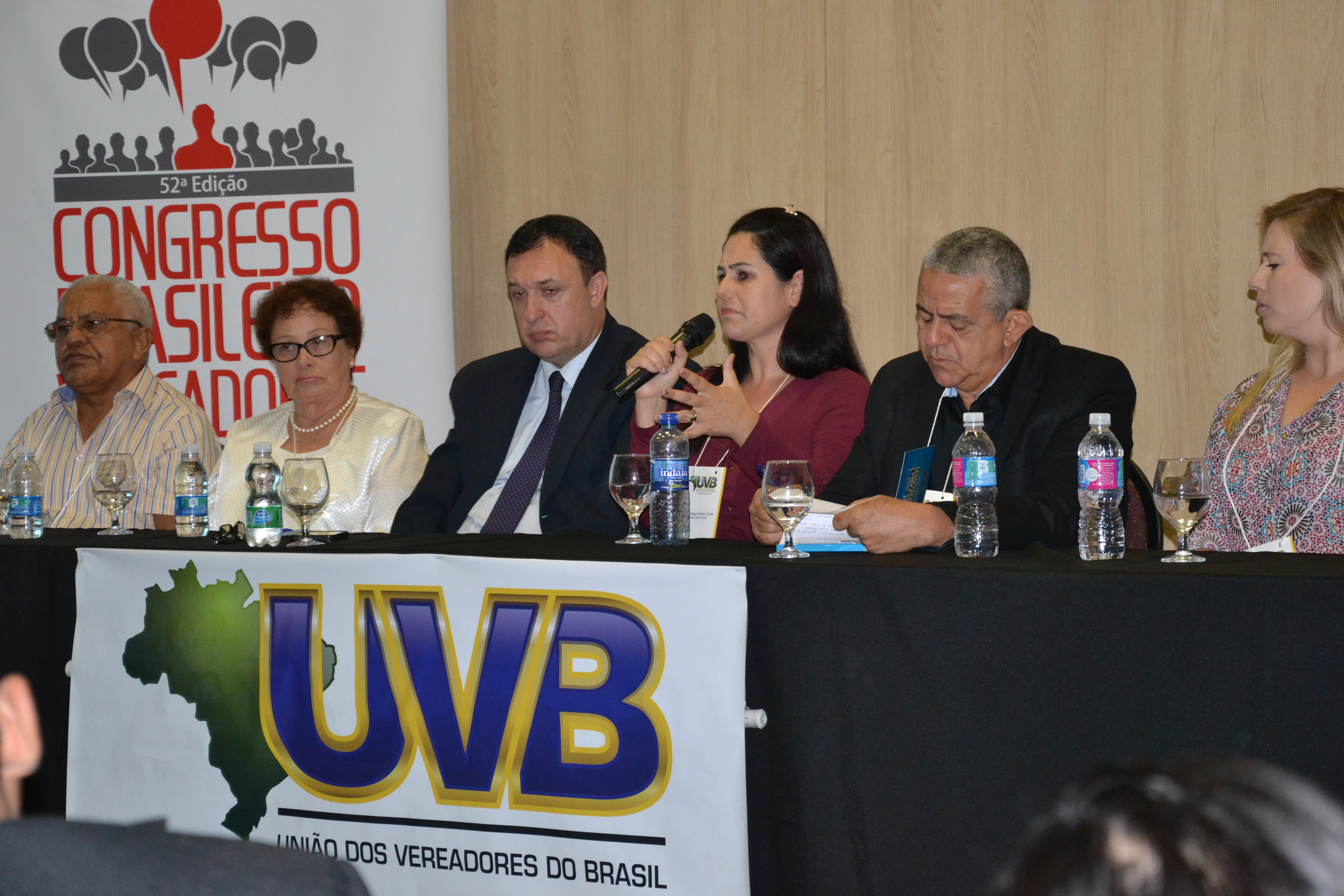 Em reunião da UVB, vereadora dá depoimento emocionado sobre solução do Interlegis a Bom Jesus (RS)