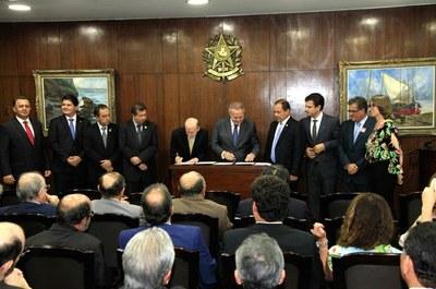 Senado, por meio do ILB, estende capacitação ao Executivo Municipal