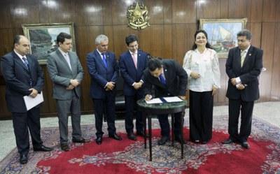 Com economia de R$ 3,5 milhões, Câmara de Palmas firma convênio com Senado para modernização de todo sistema