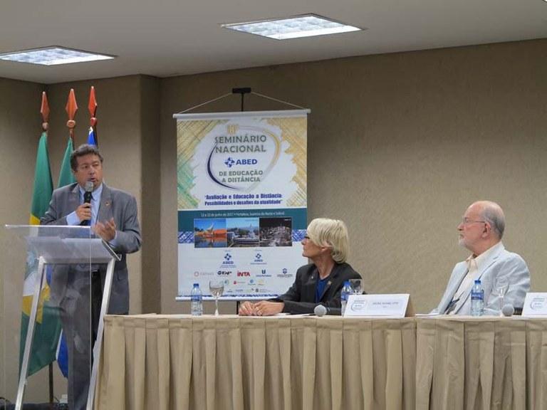 Diretor do ILB participa de seminário da ABED e elogia novas regras para EaD