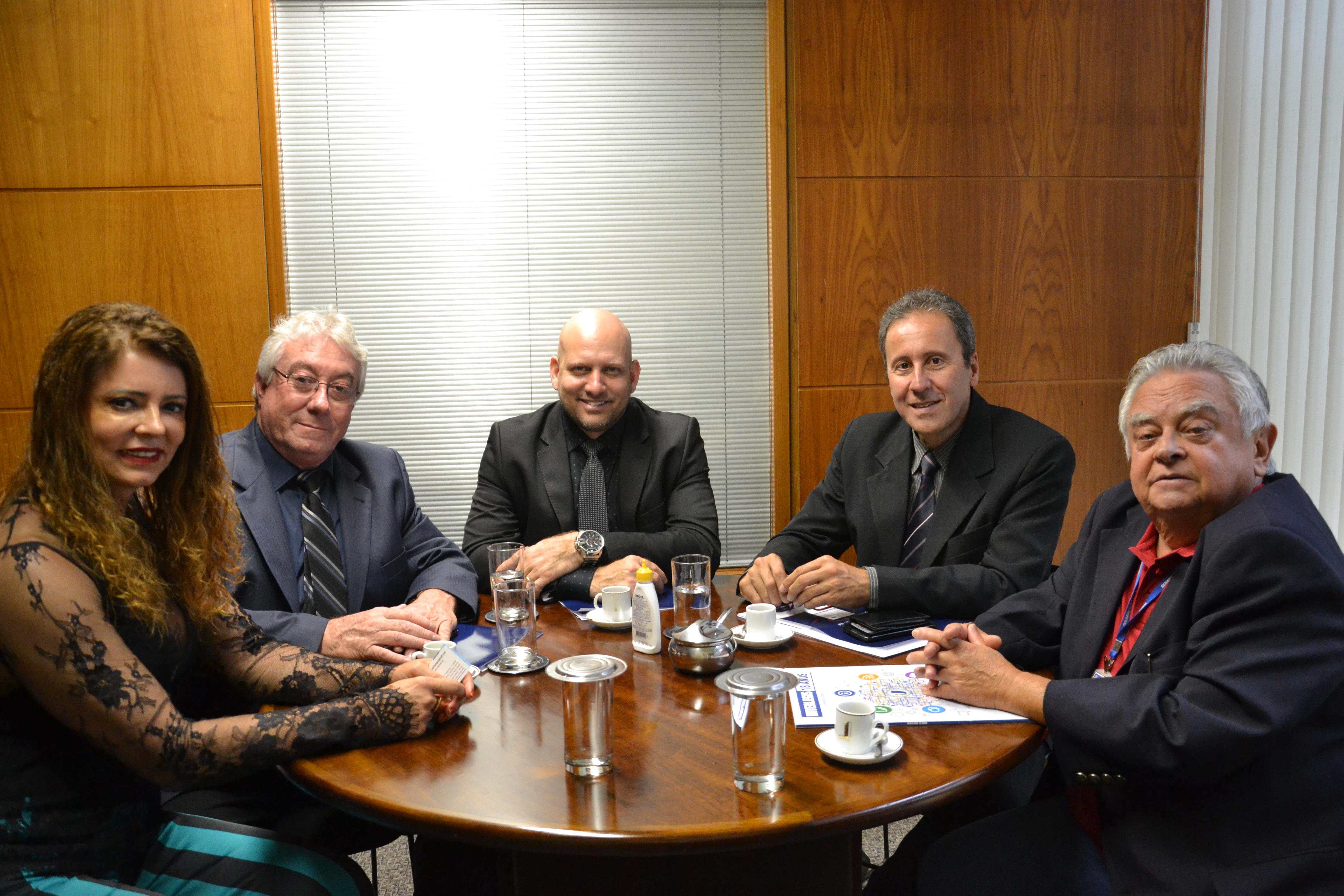 Presidente da Câmara Municipal de Piumhi (MG) visita Interlegis para firmar parceria