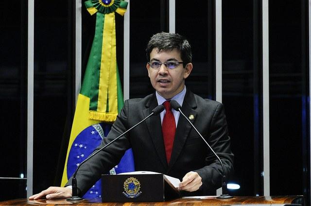 Senador Randolfe Rodrigues destaca trabalho de capacitação feito pelo Interlegis no Amapá
