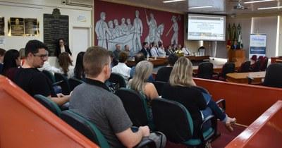 Com plenário cheio, Câmara de Erechim começa a atualizar Marcos Jurídicos