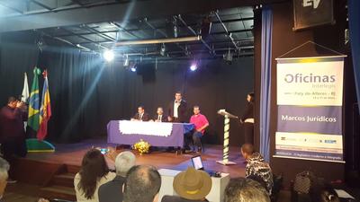 """""""É fundamental o estímulo à modernização e integração das casas legislativas"""", afirma Eduardo Lopes"""