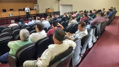 Em Rio das Pedras, oficina Interlegis enche o plenário da câmara