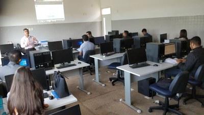 Oficina do Novo SAPL reúne Câmaras de sete cidades em Corrente, no Piauí