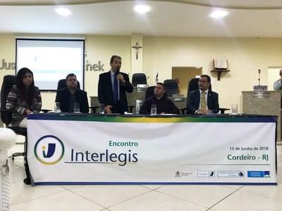 Senador Eduardo Lopes encerra Encontro Interlegis em Cordeiro (RJ)