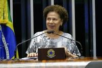 Senadora Regina Sousa registra em plenário agradecimentos ao ILB/Interlegis