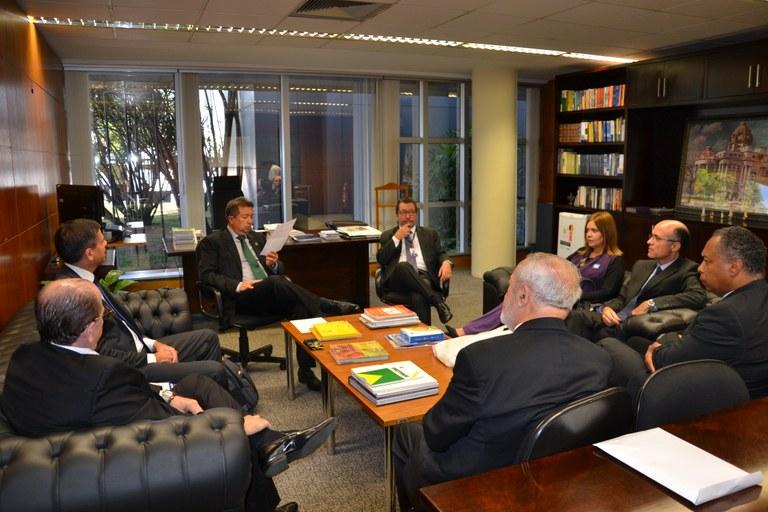 Tribunal de Contas do Ceará e ILB acertam detalhes de parceria
