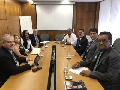 Câmara de Paracatu busca apoio do Senado para reinauguração de Escola do Legislativo