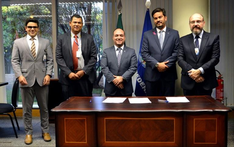 Interlegis/ILB e Dnit assinam acordo de cooperação